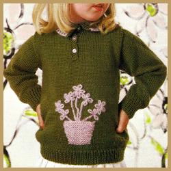 Gestrickter Kinderpullover mit Stickmotiv Blumentopf