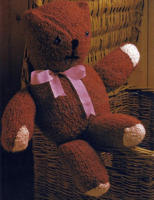 Handarbeitszirkel Gestrickter Teddybär Aus Fester Bouclewolle