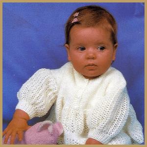 Gestricktes Babykleidchen im nostalgischen Stil, Strickanleitung