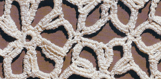 Decke aus gehäkelten Sternen