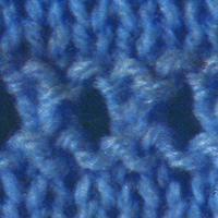 Stricken von Löchern in Strickarbeiten