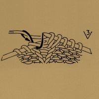 Aus einer Masche 3 Maschen bzw. so viele Maschen herausstricken, wie die Zahl angibt, und zwar abwechselnd 1 Masche rechts und 1 Umschlag.
