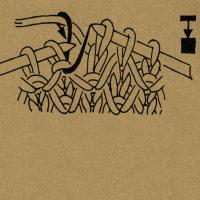 1 Masche tief rechts stricken und dabei die Masche auflösen. Beim Stricken der Rechtsmasche den querliegenden Maschendraht der in der vorhergehenden Reihe aufgelösten Masche mit fassen. 1 Masche ohne Arbeitsfaden wie zum Rechtsstricken abheben Nach der 3. Masche 1 Schlinge holen und 3 Maschen rechts. 1 Masche wie zum Rechtsstricken abheben, die 2 folgenden Maschen rechts stricken und die abgehobene Masche über die beiden Maschen ziehen, so daß 2 Maschen übrigbleiben. Querfaden zusammen mit der Rechtsmasche stricken 1 Masche wie zum Rechtsstricken mit hintergelegtem Faden abheben, den Umschlag rechts abstricken, dann die abgehobene Masche überziehen. 1 Umschlag bilden, 2 Maschen rechts stricken, den Umschlag über die 2 Rechtsmaschen ziehen. Die Klammern mit einer Zahl über einer Strickschrift geben das Abhäkeln der Maschen nach Ausführung einer Strickarbeit an, und zwar faßt man mit je 1 festen Masche die durch Klammer verbundenen Maschen zusammen und häkelt danach so viele Luftmaschen, wie die Zahl angibt. Fehlt diese Zahl, werden keine Luftmaschen ausgeführt.